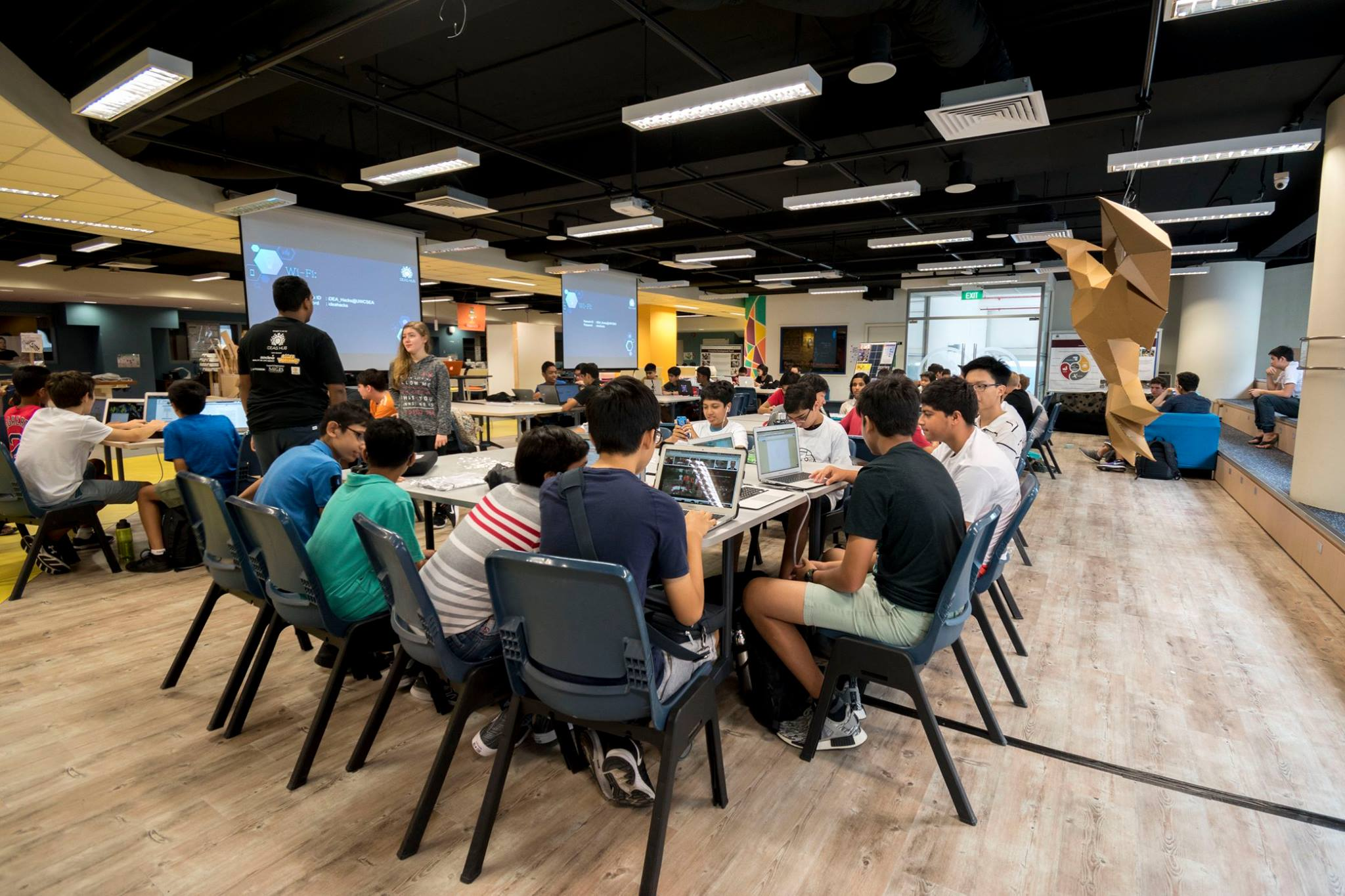 IDEA Hacks is in its 2nd year running with the theme of Gamification for Good. Taking place on the 11th and 12th of November, we saw teams from all around Singapore create games and gamified experiences that solved a problem.